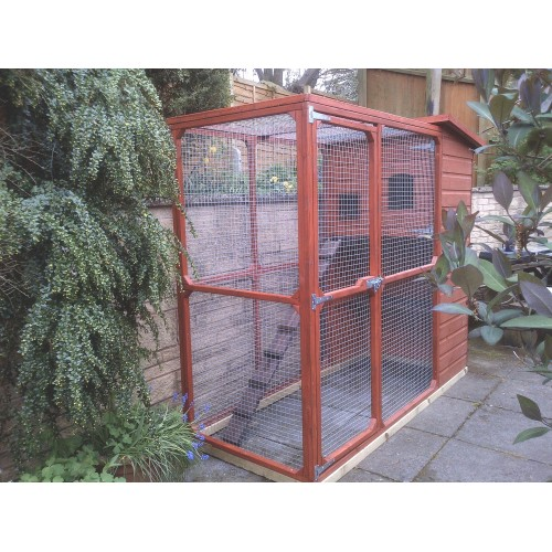 The Amy Outdoor Cat House and Cat Run