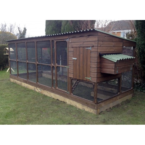 Chicken House With Large Walk In Chicken Run, Huge Dry Run