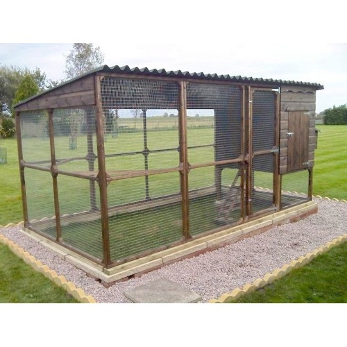 Walk In Chicken House With Large Run Huge Dry