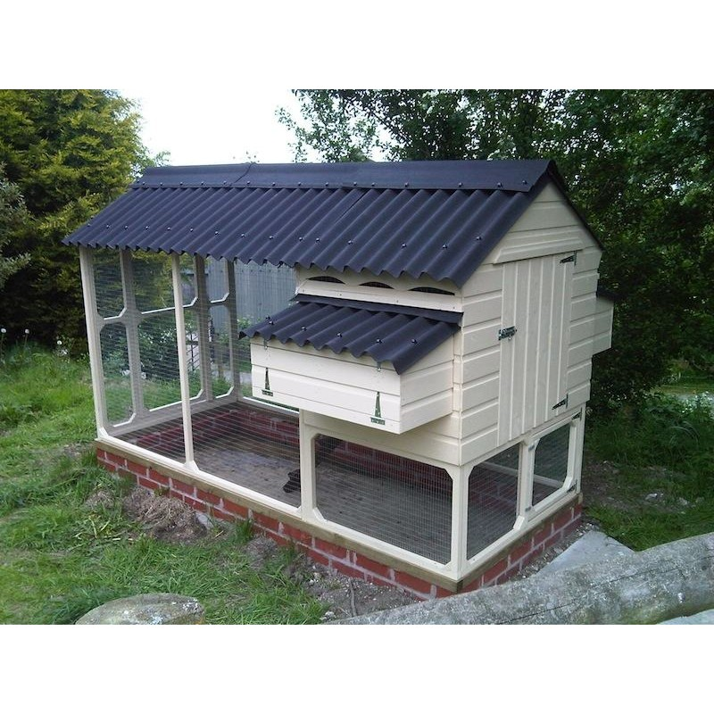 William chicken house and covered walk in for Chicken coop with run for 6 chickens
