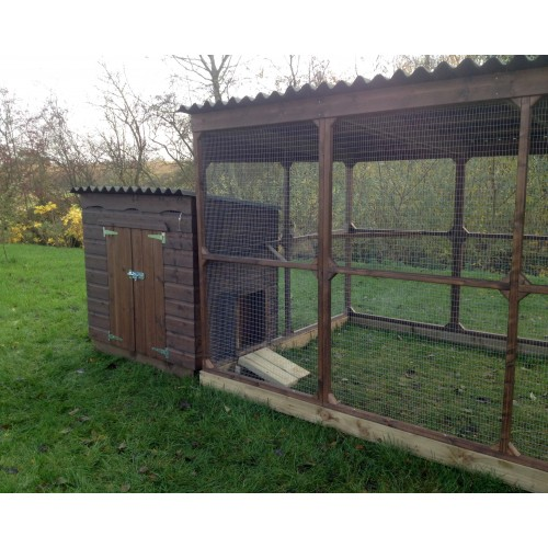 Duck house duck shed for breeds of duck for Duck houses and runs